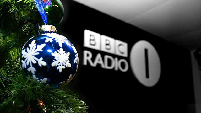 Scott launches Christmas on Radio 1 – Unofficial Mills